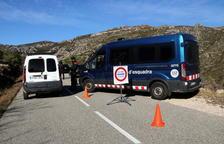 Els cossos policials fan controls als accessos dels Ports de Tortosa-Beseit per evitar situacions de risc