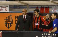 Jordi Garcia, entrenador del Reus Deportiu, a la banqueta en una imatge d'arxiu.