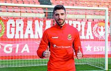 José Aurelio Suárez ja vesteix la samarreta del Nàstic de Tarragona.