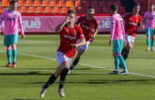 Carbia celebra un dels dos gols que va anotar diumenge al Nou Estadi contra el Barcelona B.