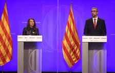 La portaveu del Govern, Meritxell Budó, i el conseller d'Exteriors, Bernat Solé, en roda de premsa.