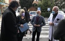 La consellera Alba Vergés durant la visita a l'Hospital Joan XXIII.