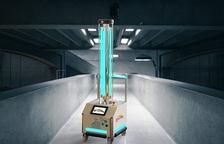 Dissenyen un robot autònom basat en llum ultraviolada que desinfecta despatxos, hotels o aules