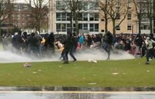 Més de 180 detinguts als Països Baixos pels aldarulls contra les restriccions de confinament