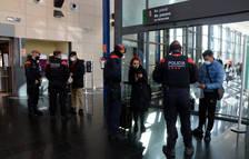 Els Mossos reforcen els controls de mobilitat a l'estació de l'AVE del Camp de Tarragona