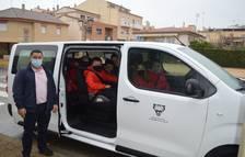 Perafort adquireix un vehicle elèctric per traslladar alumnes de Puigdelfí a l'escola
