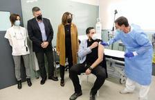 Tarragona rep 400 dosis per vacunar amb l'Astra-Zeneca als professionals de justícia