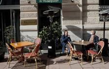 Madrid endarrereix el toc de queda i el tancament de bars a les onze de la nit