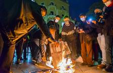 Quema de fotografías de los Borbones en una nueva jornada de apoyo a Hasél