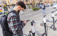 Bird hará pagar a los usuarios las multas por aparcar los patinetes mal