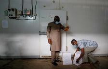 El programa COVAX entrega les primeres vacunes als països pobres mentre els rics ja fa dos mesos que estan vacunant