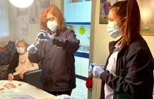 Primer assaig a Espanya per administrar Pfizer o Moderna a vacunats amb AstraZeneca