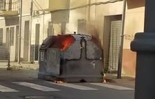 Se quema un contenedor en el barrio de Bonavista