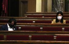 Francesc de Dalmases (JxCat) i Marta Vilalta (ERC), en la sessió de la Diputació Permanent del Parlament del 24 de febrer.