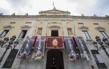 Quatre lones amb les imatges de quatre pilars de les  lones amb les colles castelleres fotografia de Santa Tecla 2020
