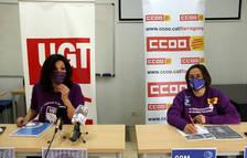 La secretaria d'Igualtat UGT de Tarragona, Mar Vázquez; i la responsable de la secretaria de les Dones de CCOO, Veronica Rubio, en la presentació de les accions del 8-M.