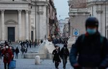 Itàlia suspèn la vacunació amb AstraZeneca per precaució