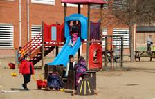 Pugen a 396 els grups escolars confinats i a 9.772 les persones en quarantena