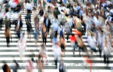 El risc de mort per covid augmenta si es camina lentament, segons un estudi