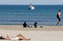 Un metge expert dóna les dues claus per a frenar al coronavirus i tenir un estiu tranquil a Espanya