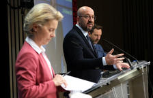 Brussel·les avisa AstraZeneca que ha d'entregar les vacunes pactades «abans de tornar a exportar»