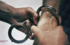 Imagen de archivo de una detención de los Mossos d'Esquadra