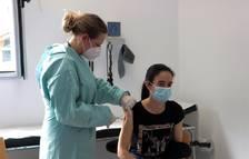 El 5,3% dels espanyols rebutja la vacuna de la covid-19, segons el CIS