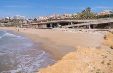 Prohíben el baño en las playas de Tamarit y del Milagro en Tarragona por mal estado del mar