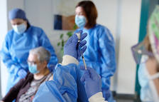 Espanya registra 3.432 nous infectats de covid-19 i 62 defuncions més des de dilluns