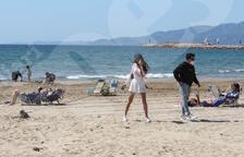 Sanitat proposa ara que les mascaretes a la platja siguin només per passejar i si no hi ha distància