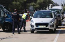 Control de movilidad de los Mossos en el área de servicio del Baix Ebre, en la AP-7.