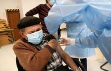 El 15% de la població de Catalunya ha rebut la primera dosi de la vacuna contra la covid-19