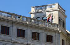 L'Ajuntament de Reus retira la pancarta de 'Llibertat presos polítics' per ordre del jutjat