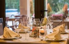Girona estudiarà l'eficàcia d'un passi digital 'covid-free' amb un cicle de sopars a sis restaurants