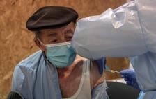 Gairebé el 70% dels majors de 80 anys està immunitzat amb les dues dosis