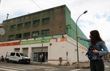 Un edifici del barri de Torreforta de Tarragona convertit en 'colomer' aixeca queixes de veïns i animalistes