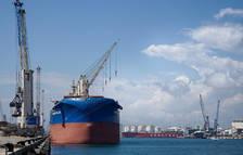 En un any marcat per la pandèmia, el Port de Tarragona va ser capaç de moure 26,5 milions de tones.