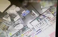 Imatge d'una càmara de seguretat durant un dels atracaments.