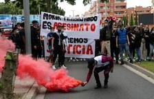 Centenares de personas reclaman «justicia» por la muerte del joven de Roda a la empresa Cidac de Cornellà