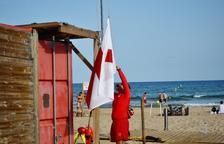 La platja de l'Arrabassada de Tarragona estrena el servei de vigilància i socorrisme d'aquest estiu