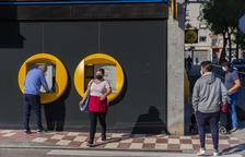 Sant Pere i Sant Pau ya tiene 20 voluntarios para vigilar los cajeros automáticos