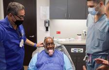 Macroglòssia o llengua gegant: l'estrany símptoma de la covid d'un pacient que no podia parlar o menjar