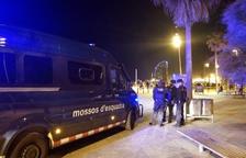 Més 'botellons' a Barcelona: prop de 3.500 desallotjats i un detingut per desobediència a la nit d'aquest dissabte