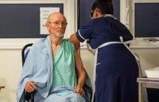 Mor William Shakespeare, el primer home a rebre la vacuna de Pfizer al Regne Unit