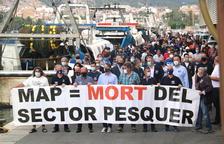Més de 200 pescadors protesten a la Ràpita contra la normativa europea que limita la pesca d'arrossegament