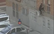 Graban un intento de ocupación en un piso del barrio de la Floresta en Tarragona
