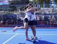 Ari Sánchez, abrazándose con Paula Josemaría.