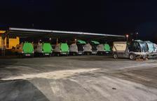 Imagen de archivo de algunos vehículos de la basura|maleza de Reus.