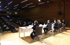 Plano general del acto de presentación del documento final de la Estrategia de desarrollo socioeconómico y de ocupación de Reus.