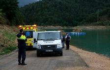 Los cuerpos de emergencia y los servicios funerarios en el pantano de la Losa del Caballo.